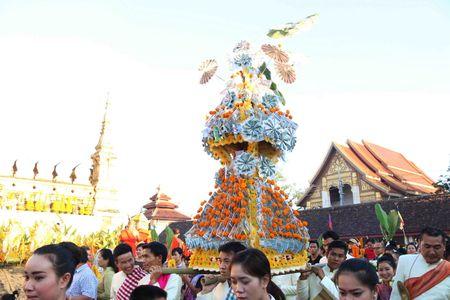 Dac sac Le ruoc thap Pha Sat Phong cua nhan dan Lao - Anh 8