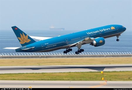 Phi co Vietnam Airlines gap su co khi dang bay - Anh 1