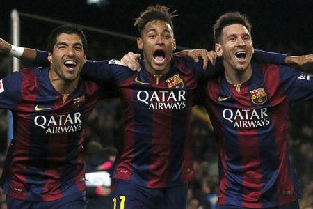 "DIEM TIN SANG (26.11): U21 HAGL ""hot bac"", Ronaldo cho Messi ""ngui khoi"" - Anh 2"