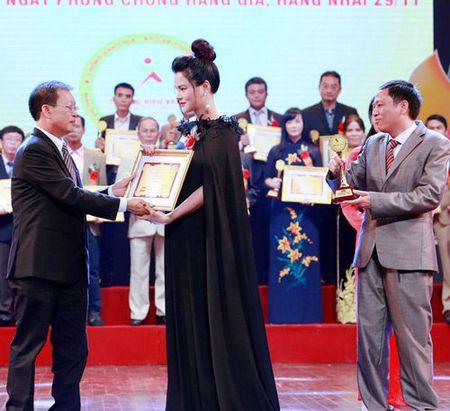 Vu Thu Phuong khoe manh tro lai sau su co dut gan tay - Anh 3
