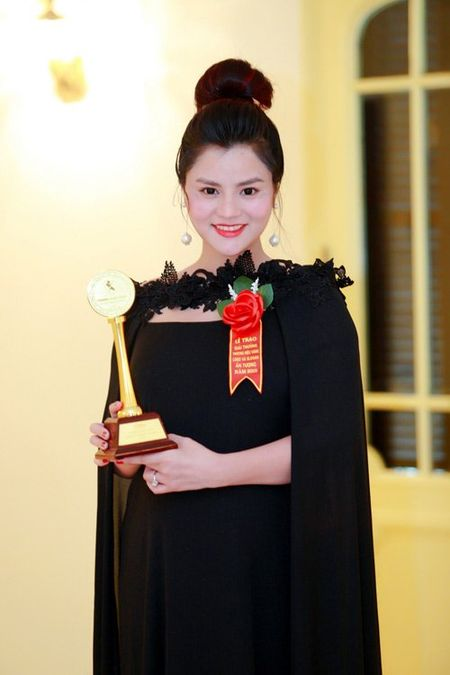 Vu Thu Phuong khoe manh tro lai sau su co dut gan tay - Anh 4