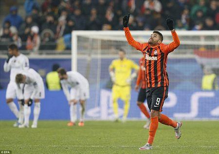 """Cristiano Ronaldo """"quay"""" tung bung mung ban thang - Anh 10"""