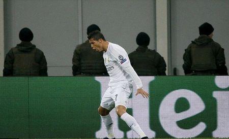 """Cristiano Ronaldo """"quay"""" tung bung mung ban thang - Anh 4"""