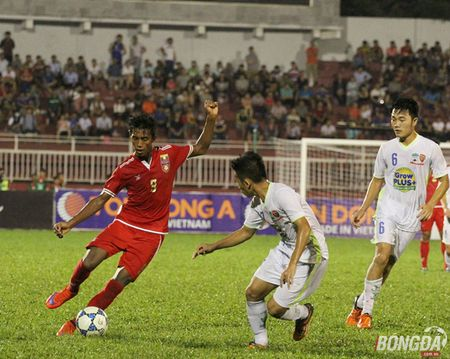Giai U21 Quoc Te 2015: Khi nguoi ham mo khong roi xa bong da dep - Anh 1