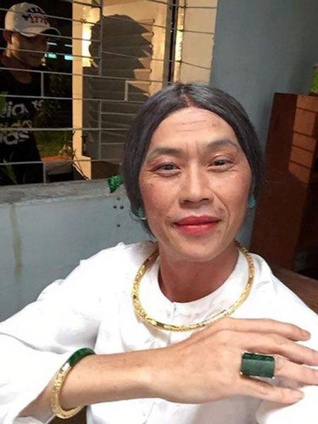 Nhung hinh anh ba dao nhat qua dat cua Hoai Linh - Anh 3