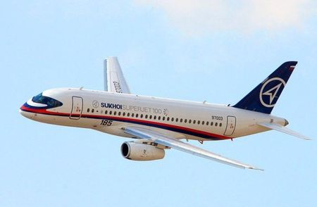 Soi may bay Sukhoi Superjet 100 Nga sap cung cap cho Viet Nam - Anh 5