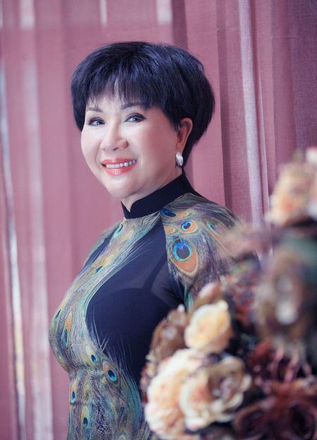 Le Thu khong dam nhan minh la giong ca vuot thoi gian - Anh 1