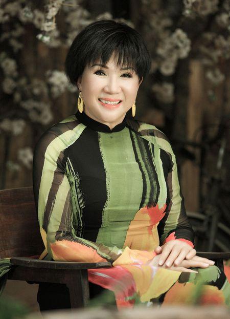 Le Thu khong dam nhan minh la giong ca vuot thoi gian - Anh 2