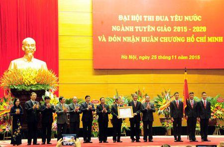 Ban Tuyen giao Trung uong don nhan Huan chuong Ho Chi Minh - Anh 1
