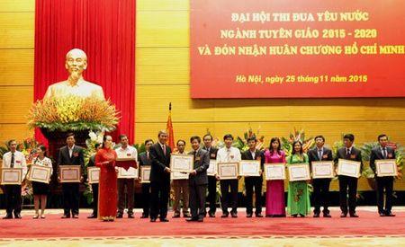 Ban Tuyen giao Trung uong don nhan Huan chuong Ho Chi Minh - Anh 3