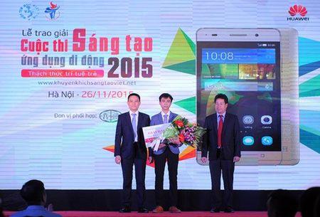 "Trao giai cuoc thi ""Sang tao Ung dung Di dong 2015"" danh cho sinh vien Viet Nam - Anh 2"