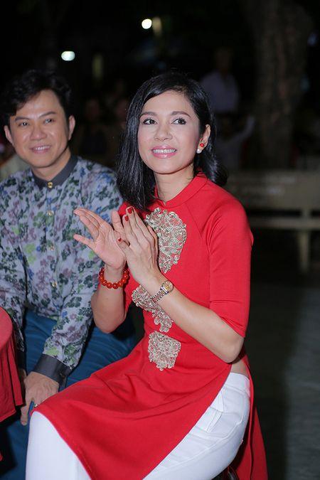 Viet Trinh hon Ngoc Son tham thiet trong sinh nhat som - Anh 2