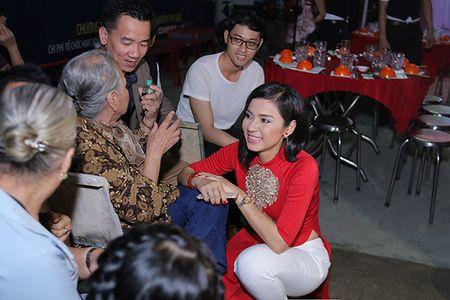 Viet Trinh hon Ngoc Son tham thiet trong sinh nhat som - Anh 5