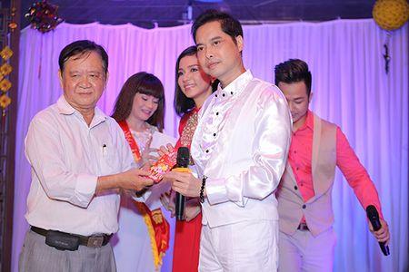 Viet Trinh hon Ngoc Son tham thiet trong sinh nhat som - Anh 7
