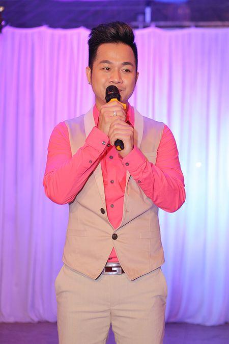 Viet Trinh hon Ngoc Son tham thiet trong sinh nhat som - Anh 8