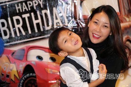 Ha Kieu Anh, Tra My Idol ron rang to chuc tiec sinh nhat cho con - Anh 1