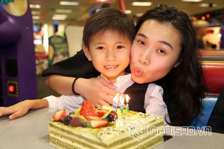 Ha Kieu Anh, Tra My Idol ron rang to chuc tiec sinh nhat cho con - Anh 2