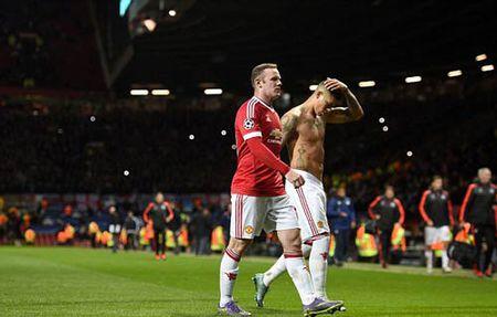 """MU: Old Trafford la """"Nha hat cua nhung giac... ngu"""" - Anh 1"""