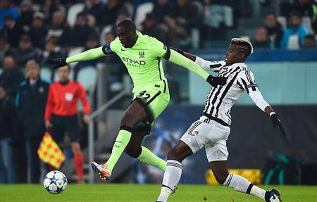 "Pogba ""che mo"" Toure ngay Juventus ha Man City - Anh 2"