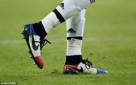"Pogba ""che mo"" Toure ngay Juventus ha Man City - Anh 4"