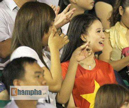 "Fan nu xinh thon thuc khi U21 HAGL""dau sung"" nghet tho - Anh 6"
