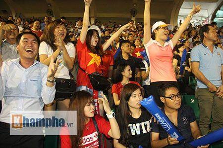 "Fan nu xinh thon thuc khi U21 HAGL""dau sung"" nghet tho - Anh 7"