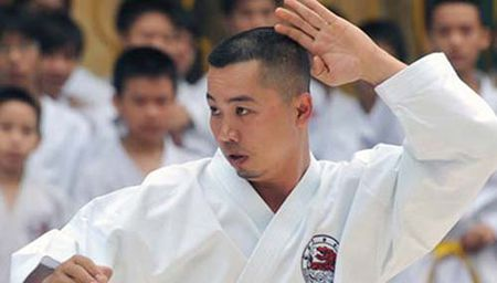Con duong sa nga cua cuu tuyen thu Karatedo - Anh 1