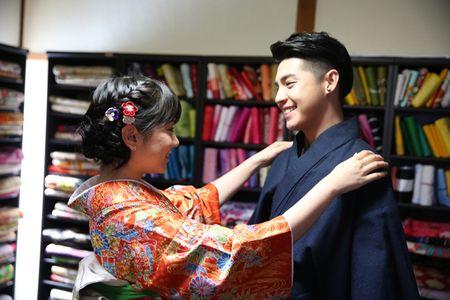 Co gai Nhat giup Noo Phuoc Thinh mac ao kimono - Anh 3