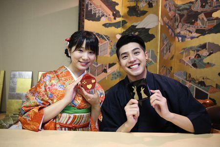 Co gai Nhat giup Noo Phuoc Thinh mac ao kimono - Anh 8