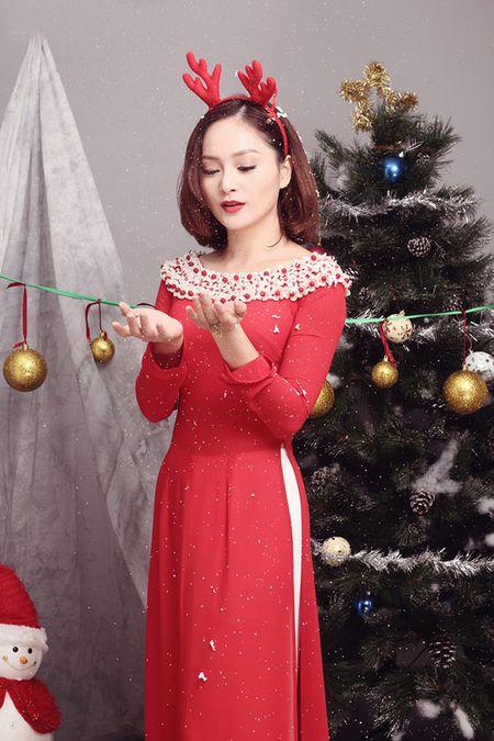 Lan Phuong ruc ro ao dai don Giang sinh - Anh 2