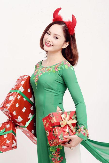 Lan Phuong ruc ro ao dai don Giang sinh - Anh 4