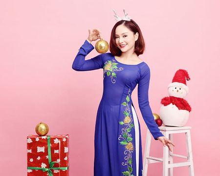 Lan Phuong ruc ro ao dai don Giang sinh - Anh 7