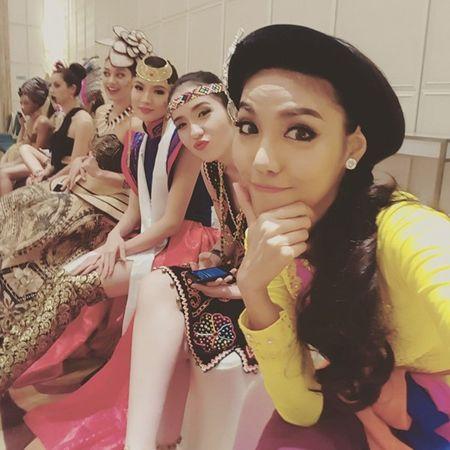 Lan Khue co co hoi lot thang vao top ung xu Hoa hau The gioi - Anh 4