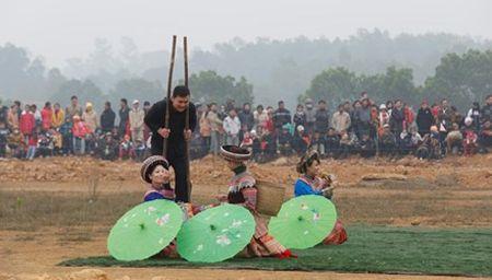 Bo truong Hoang Tuan Anh: Cac cong trinh van hoa khong gay that thoat, lang phi - Anh 1