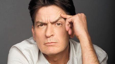 Tai tu nhiem HIV Charlie Sheen bi lo mot loat clip nong - Anh 2