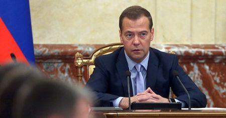 "Ong Medvedev: Nga se dung ""bien phap quan su"" dap tra vu Su-24 - Anh 1"