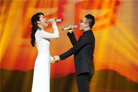 """Thu Phuong thu nap """"tro cung"""" Hoang Dung sau The Voice 2015 - Anh 1"""