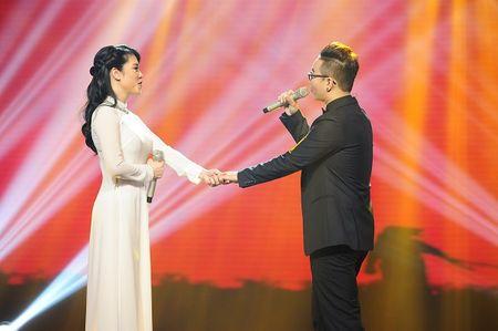 """Thu Phuong thu nap """"tro cung"""" Hoang Dung sau The Voice 2015 - Anh 2"""
