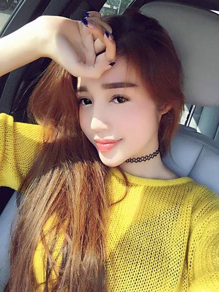 Doanh nhan Duc An nhi nhanh selfie cung vo moi Phan Nhu Thao - Anh 13