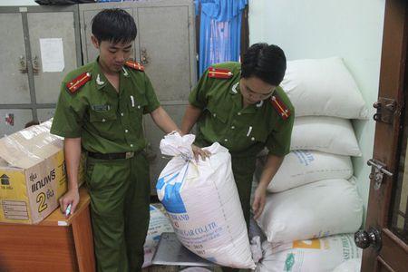 Quang Tri: Lai phat hien go lim xanh vo chu o khu vuc bien gioi - Anh 3