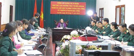 Trung uong Hoi LHPN Viet Nam kiem tra cong tac phu nu Binh chung Dac cong - Anh 1