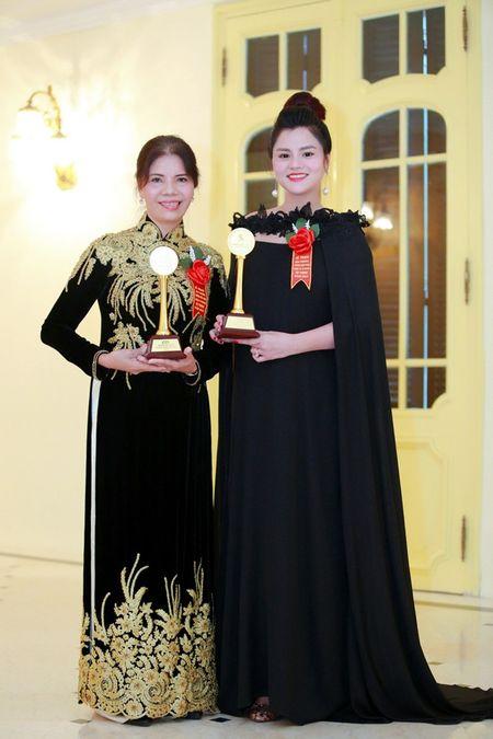 Vu Thu Phuong tai xuat sau su co dut gan tay - Anh 5
