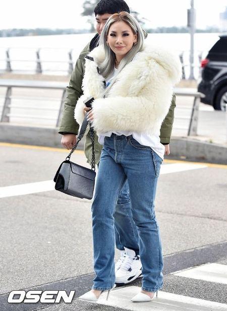 CL (2NE1) lo chan ngan o san bay - Anh 2