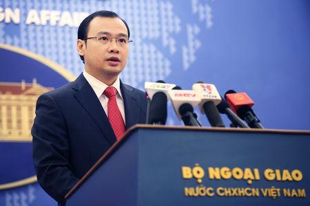 VN-Campuchia khoi cong xay 2 cot moc bien gioi - Anh 1