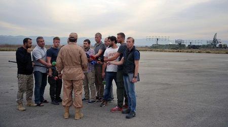 Phi cong Su-24 Nga duoc giai cuu the nao? - Anh 1