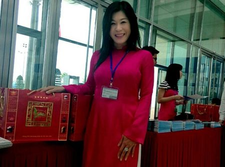Thi the ba Ha Linh sap duoc dua ve nuoc - Anh 1