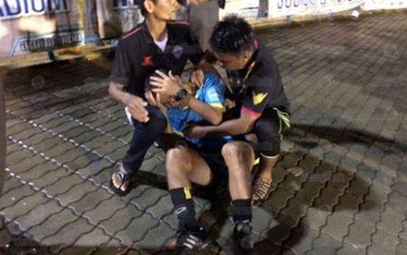 CDV danh trong tai, CLB Satun United bi cam thi dau trong ba nam - Anh 1