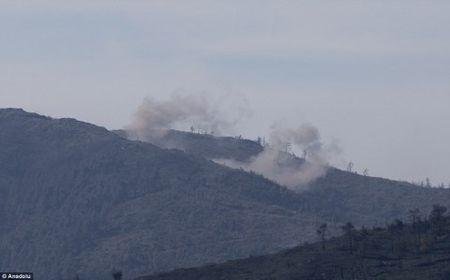 Nga doi bom, ten lua vao khu vuc may bay Su-24 bi ban ha o Syria - Anh 1