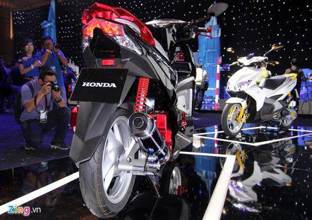 Honda Air Blade doi moi do chinh hang dau tien tai Viet Nam - Anh 12
