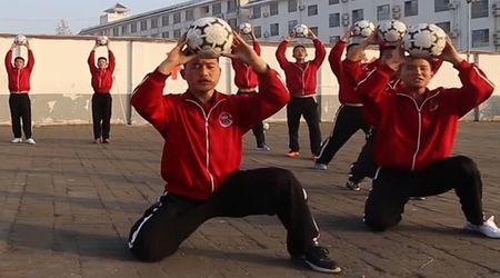 "Trung Quoc tham vong ""ba chu bong da the gioi"" voi doi bong thieu lam - Anh 1"